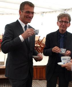 Kaffe på agterdæk - Arne Høi sammen med Europa Nostra Danmark bestyrelsesmedlem arkitekt Lars Nicolai Bock